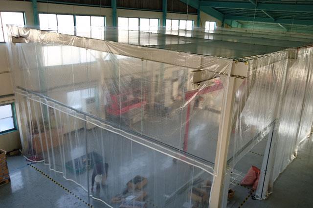 製造工場(作業場)の簡易クリーンブース・間仕切りブース
