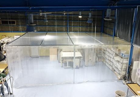 印刷工場(埼玉県さいたま市緑区)天井吊り下げビニールブース