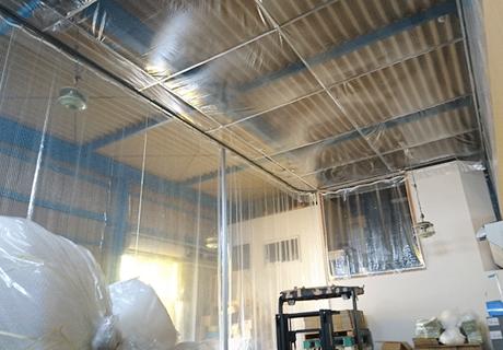 食品梱包工場(埼玉県さいたま市緑区)天井吊り下げビニールブース